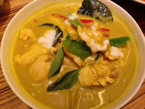 Green Chicken Curry at Naamyaa Cafe