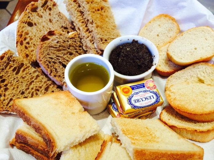 artisan bread baskter